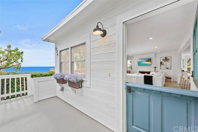 Detached House for Sale at 274 Upland Road Laguna Beach, California 92651 United States