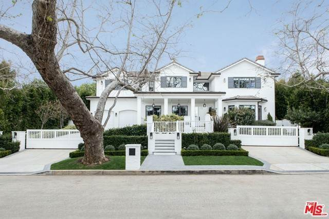 Single Family Homes for Sale at 957 CORSICA Drive Pacific Palisades, California 90272 United States