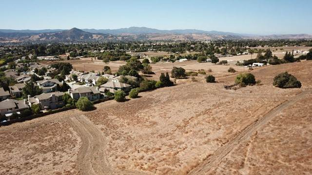 Single Family Homes for Sale at 17101 Kruse Ranch Lane Morgan Hill, California 95037 United States