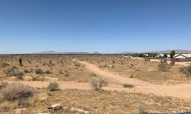 Land for Sale at Navajo Road Apple Valley, California 92308 United States