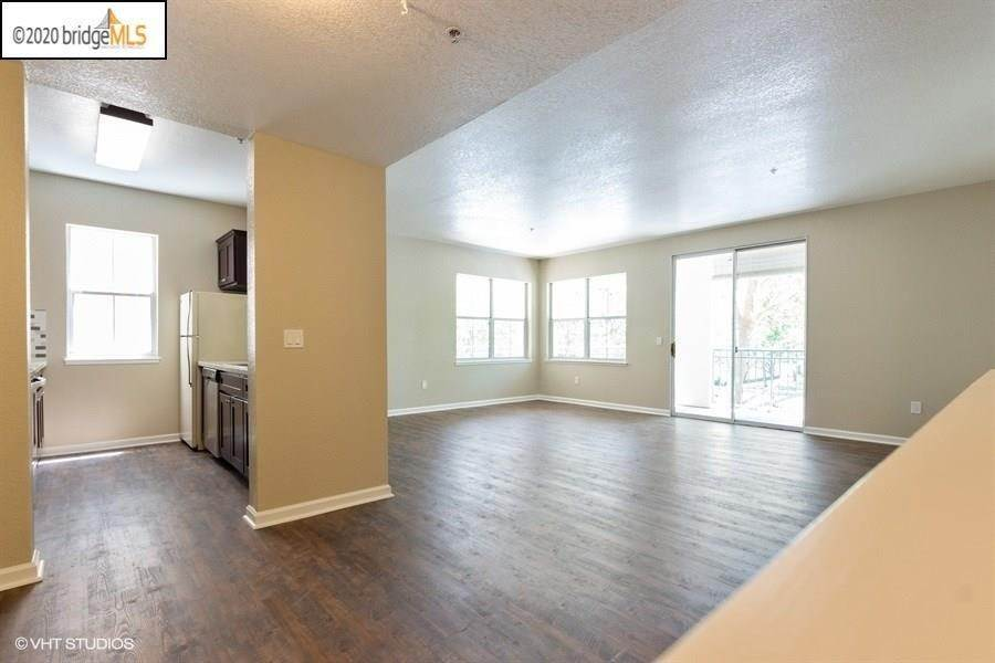 Residential for Sale at 1860 Tice Creek Dr 1207 Walnut Creek, California 94595 United States