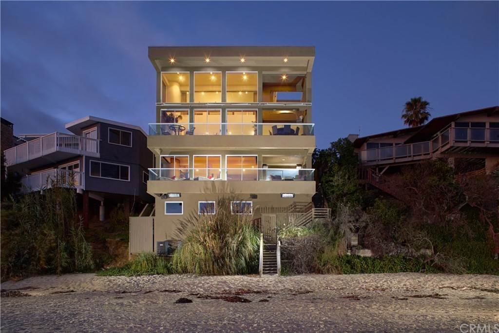 Residential for Sale at 31071 Coast Highway Laguna Beach, California 92651 United States