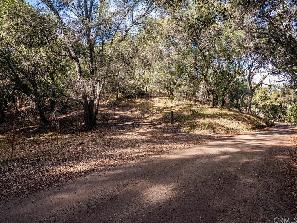 Land for Sale at 74850 Copperhead Road Bradley, California 93426 United States