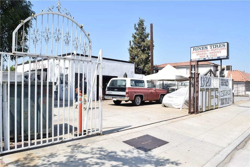 Commercial for Sale at 13420 Valley Boulevard La Puente, California 91746 United States