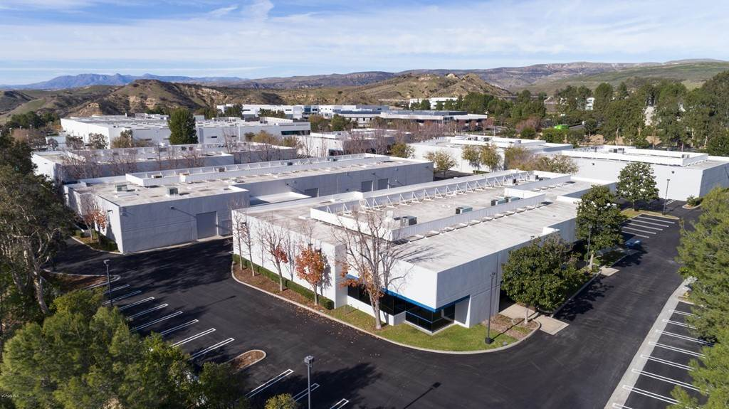 Commercial for Sale at 80 West Cochran Street B Simi Valley, California 93065 United States