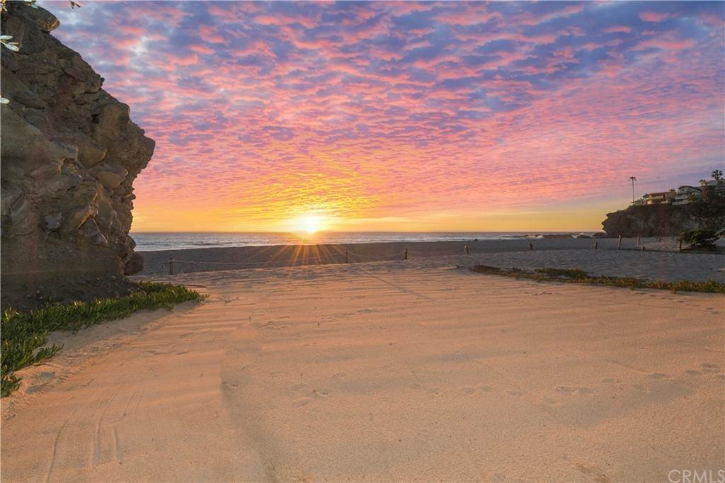 Residential for Sale at 31981 Coast Laguna Beach, California 92651 United States