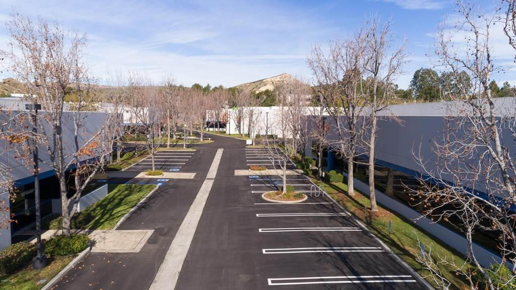 Commercial for Sale at 94 West Cochran Street B Simi Valley, California 93065 United States