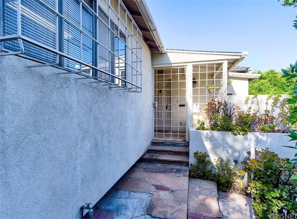 Residential for Sale at 4277 Verdugo View Drive 4277 Verdugo View Drive Eagle Rock, California 90065 United States