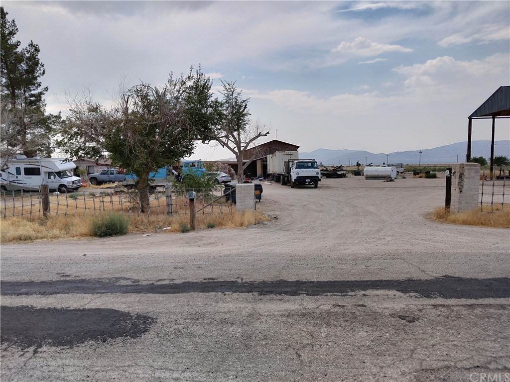 Commercial for Sale at 12800 Locust Avenue Lucerne Valley, California 92356 United States