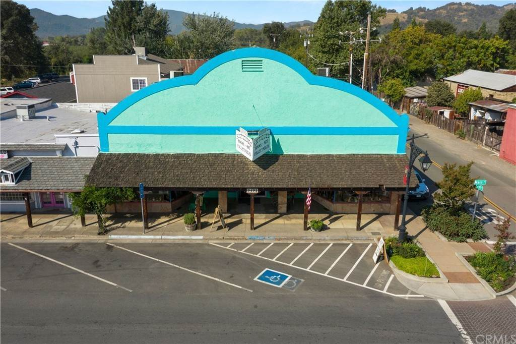 7. Commercial for Sale at 9495 Main Street Upper Lake, California 95485 United States
