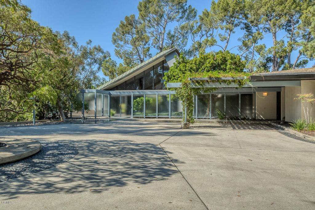 Residential for Sale at 1100 Paso Alto Road Pasadena, California 91105 United States