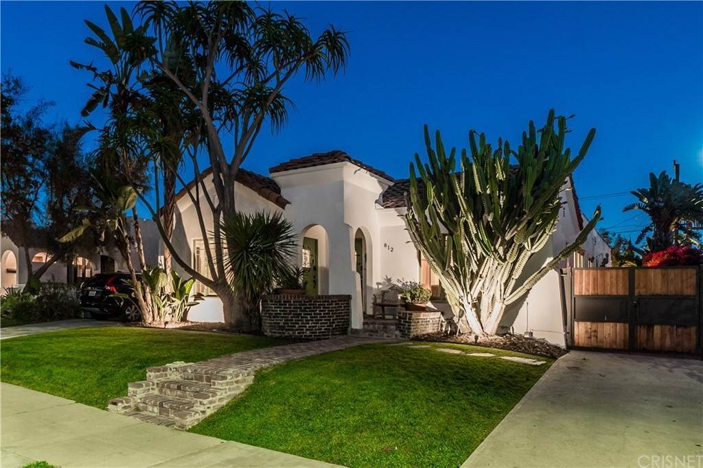 Residential for Sale at 812 North Mansfield Avenue Hollywood, California 90038 United States