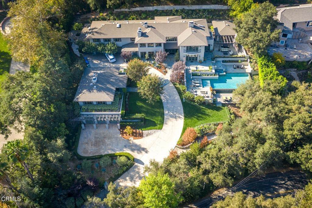 Residential for Sale at 4055 Chevy Chase Drive La Canada Flintridge, California 91011 United States
