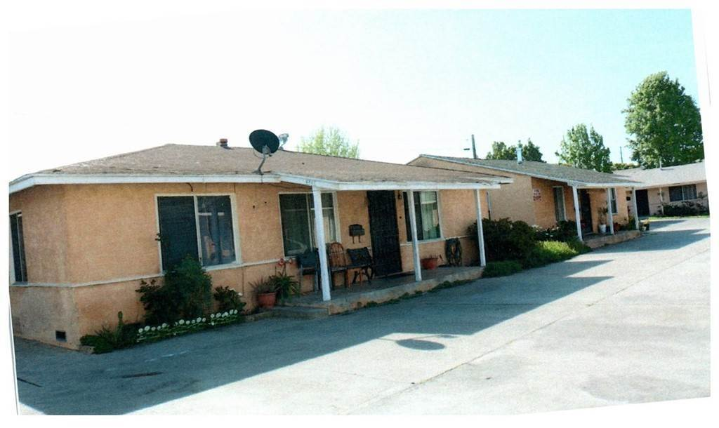 Townhouse Mixed Use for Sale at 4338 Clara Street Cudahy, California 90201 United States