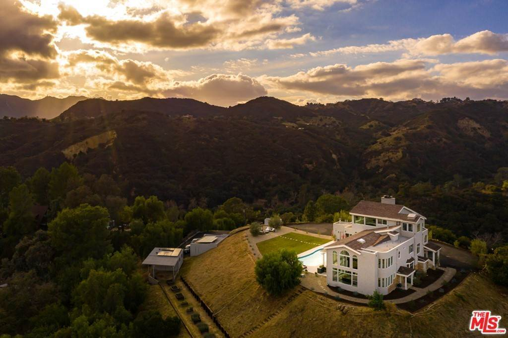 Residential for Sale at 1836 Arteique Road Topanga, California 90290 United States
