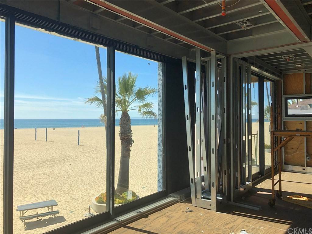 5. Residential for Sale at 1504 West Oceanfront Newport Beach, California 92661 United States