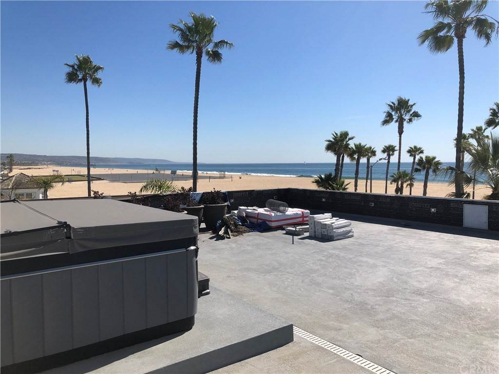 6. Residential for Sale at 1504 West Oceanfront Newport Beach, California 92661 United States