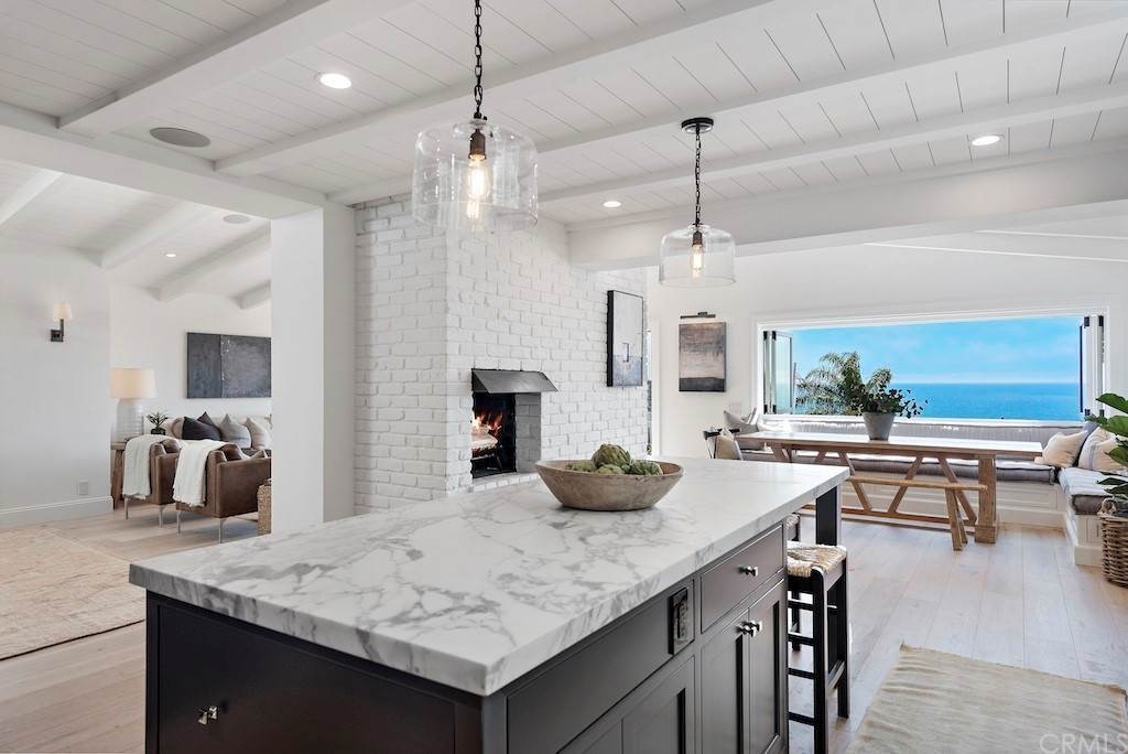 Residential for Sale at 950 Hillcrest Drive Laguna Beach, California 92651 United States
