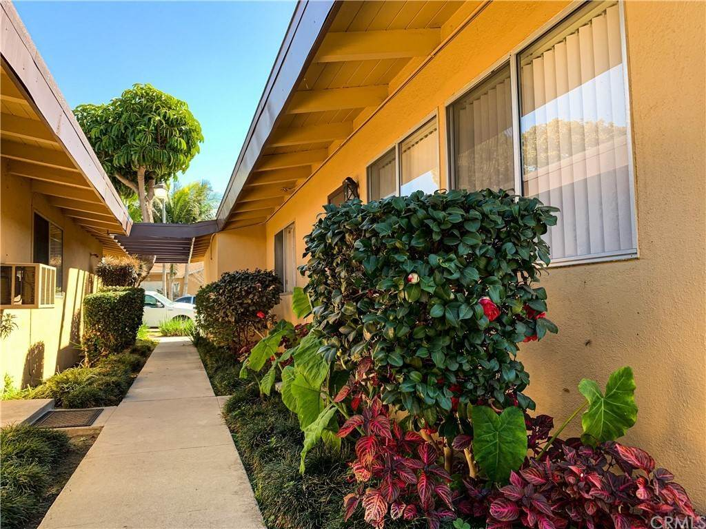 Residential Income for Sale at 9525 Bowman Avenue South Gate, California 90280 United States