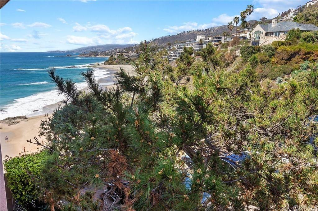 Residential for Sale at 31561 Table Rock Drive 418 Laguna Beach, California 92651 United States