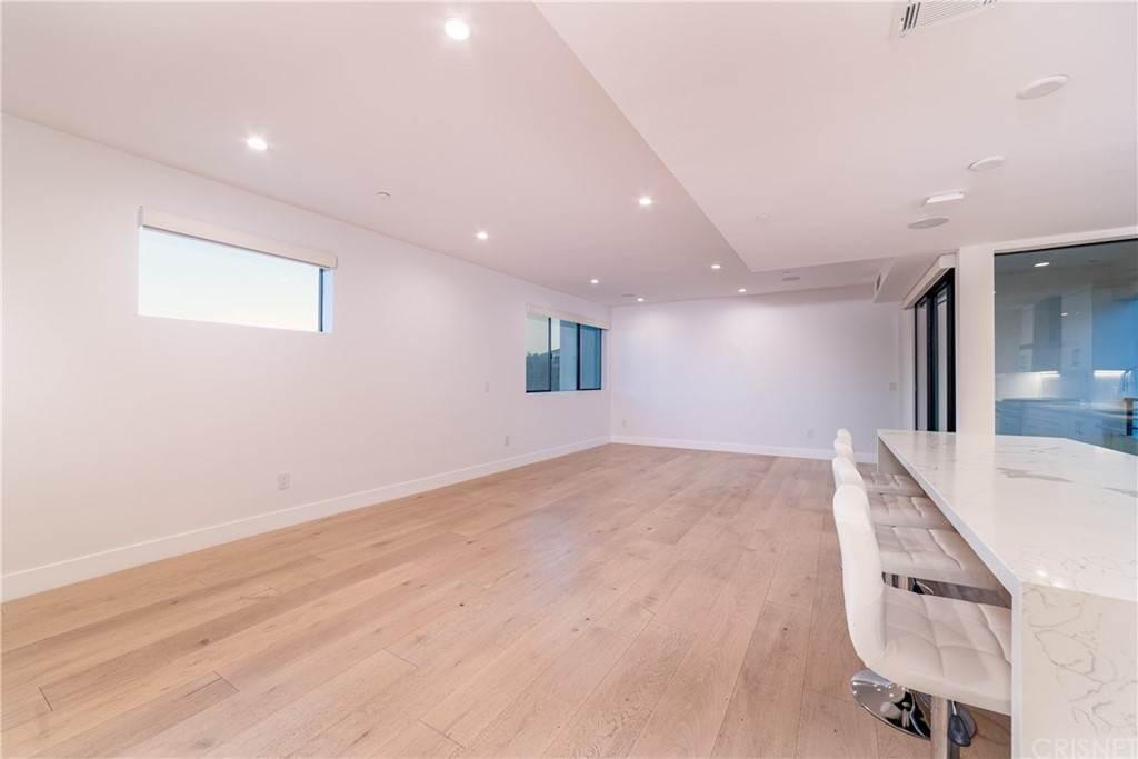 Residential for Sale at 735 North Gramercy Place Hollywood, California 90038 United States