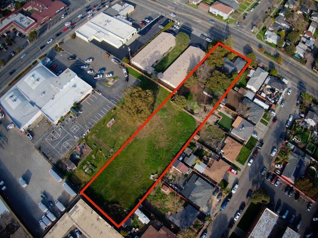 Residential for Sale at 545 Pennsylvania Avenue Fairfield, California 94533 United States