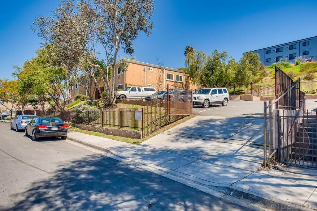 Commercial for Sale at 5014 Auburn Drive San Diego, California 92105 United States
