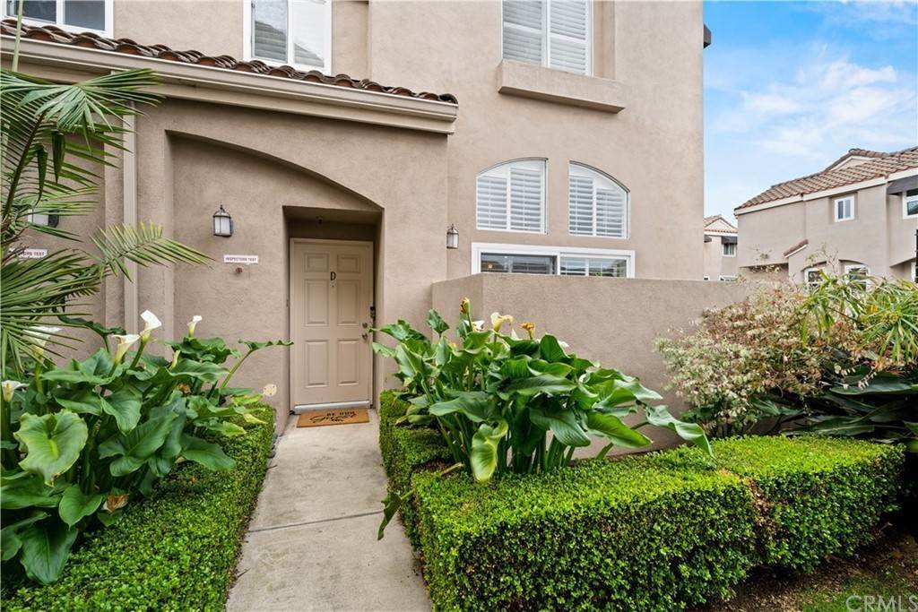 Residential for Sale at 1329 East Grand Avenue D El Segundo, California 90245 United States