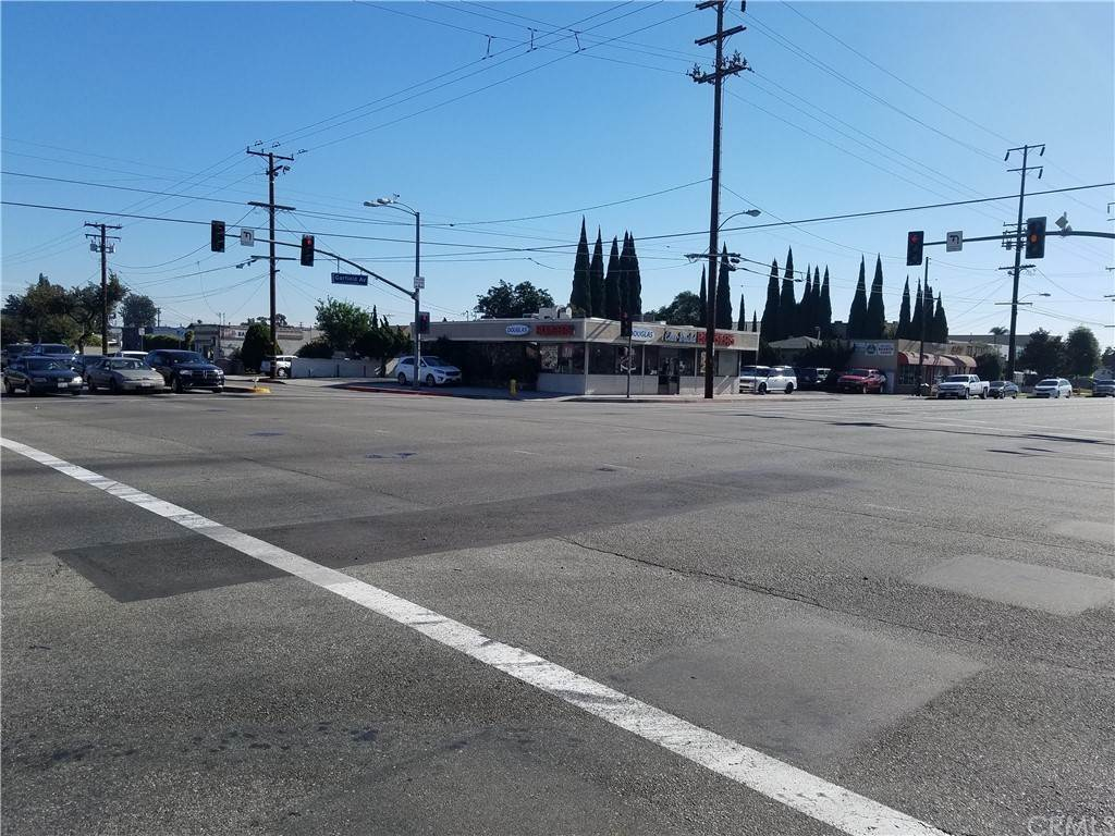 Commercial for Sale at 7502 Somerset Boulevard Paramount, California 90723 United States