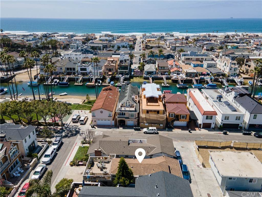 Duplex Homes for Sale at 403 39th Street Newport Beach, California 92663 United States