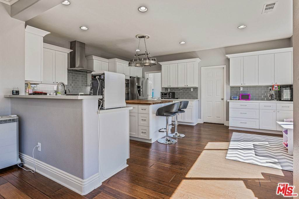 Residential for Sale at 25150 Huston Street Stevenson Ranch, California 91381 United States
