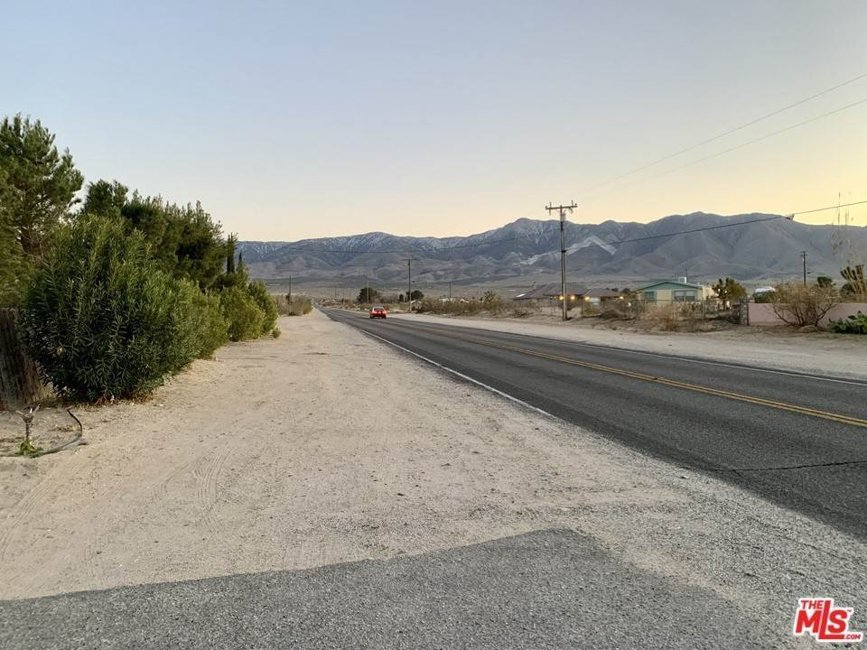 Residential for Sale at 9975 Custer Avenue Lucerne Valley, California 92356 United States