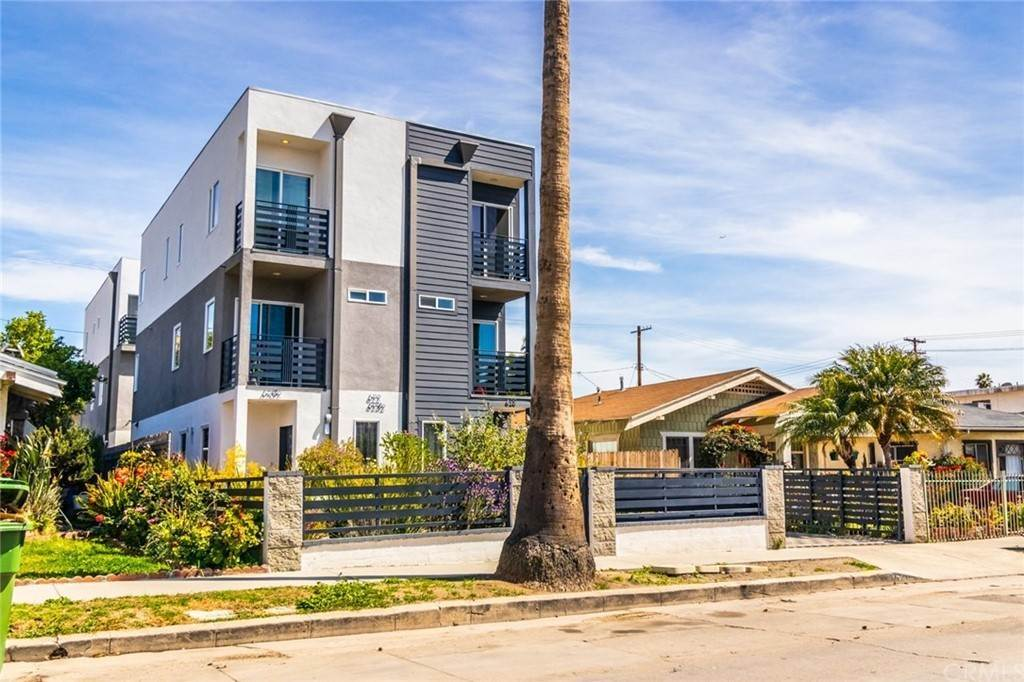 Residential Income for Sale at 620 North Serrano Avenue Hollywood, California 90004 United States