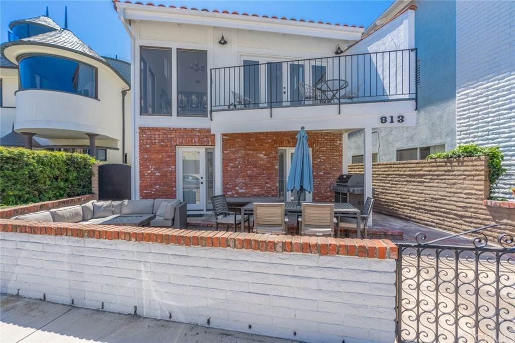 Residential for Sale at 813 West Bay Avenue Newport Beach, California 92661 United States