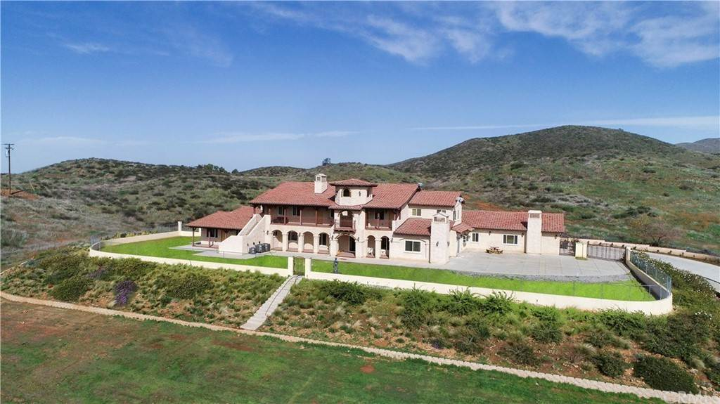 Residential for Sale at 34310 Rawson Road Winchester, California 92596 United States