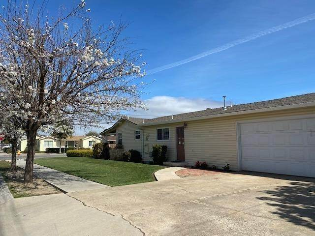 Residential for Sale at 525 Oak Avenue Greenfield, California 93927 United States