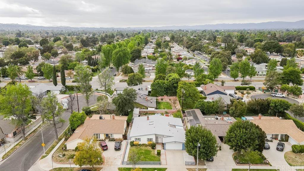 Residential for Sale at 6437 Graves Avenue Lake Balboa, California 91406 United States