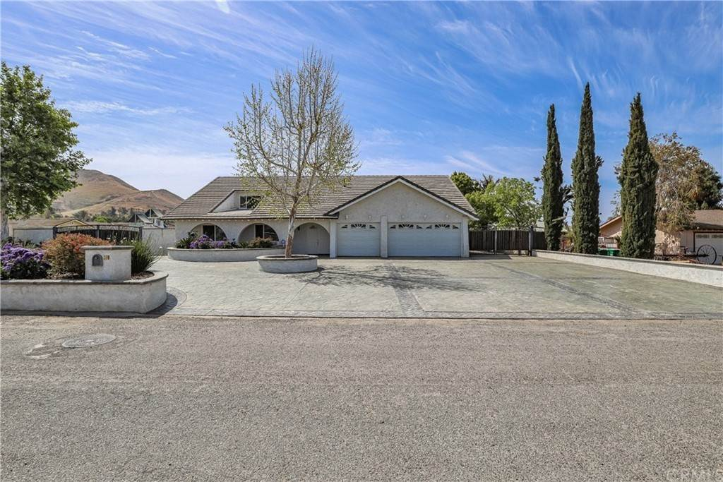 Residential for Sale at 310 Filly Lane Norco, California 92860 United States