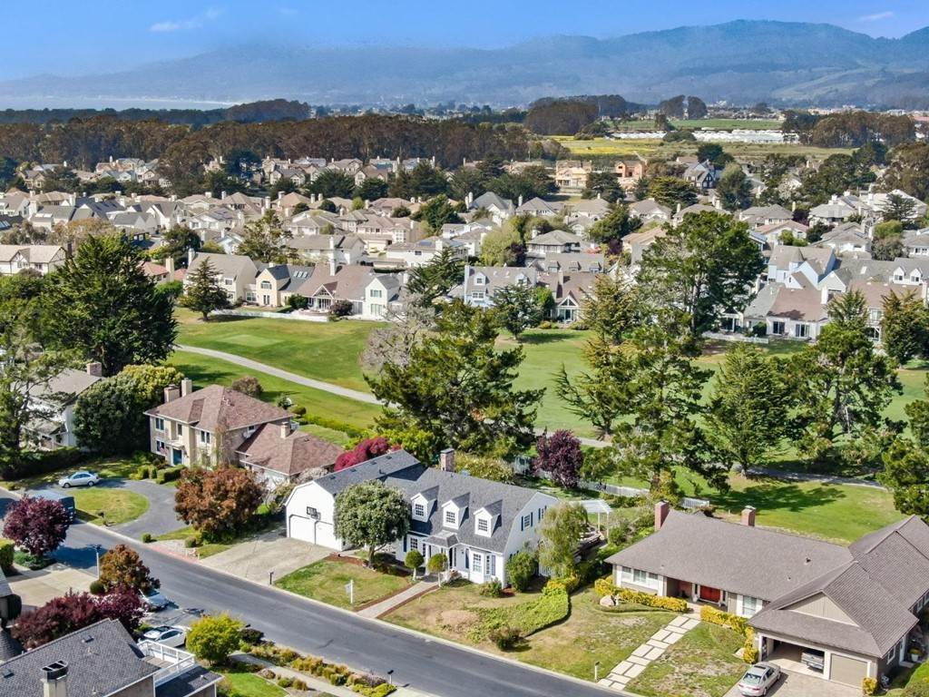 Residential for Sale at 417 Greenbrier Road Half Moon Bay, California 94019 United States