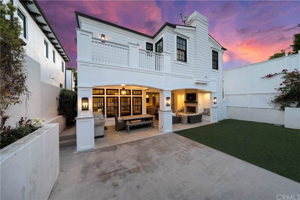 Residential for Sale at 1412 Laurel Avenue Manhattan Beach, California 90266 United States