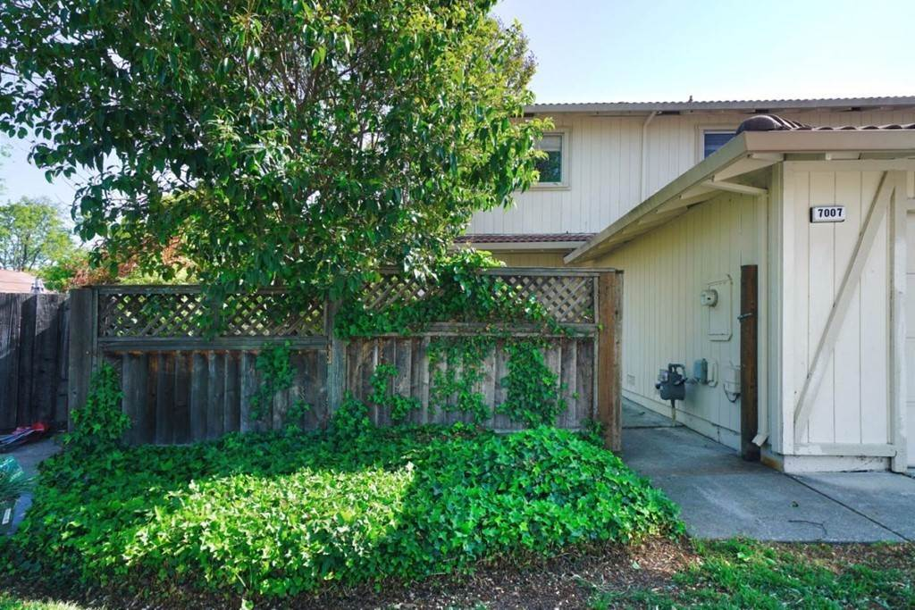 Residential for Sale at 7007 Locust Court Dublin, California 94568 United States