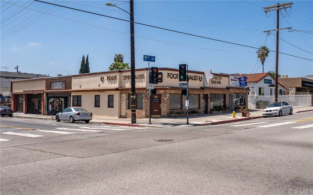 Commercial for Sale at 611 West 9th Street San Pedro, California 90731 United States