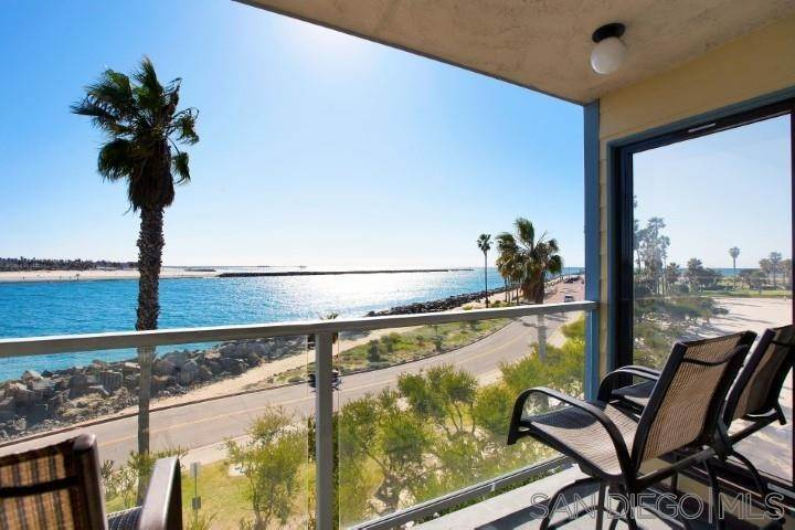 Residential for Sale at 2595 Ocean Front Walk 6 Pacific Beach, California 92109 United States