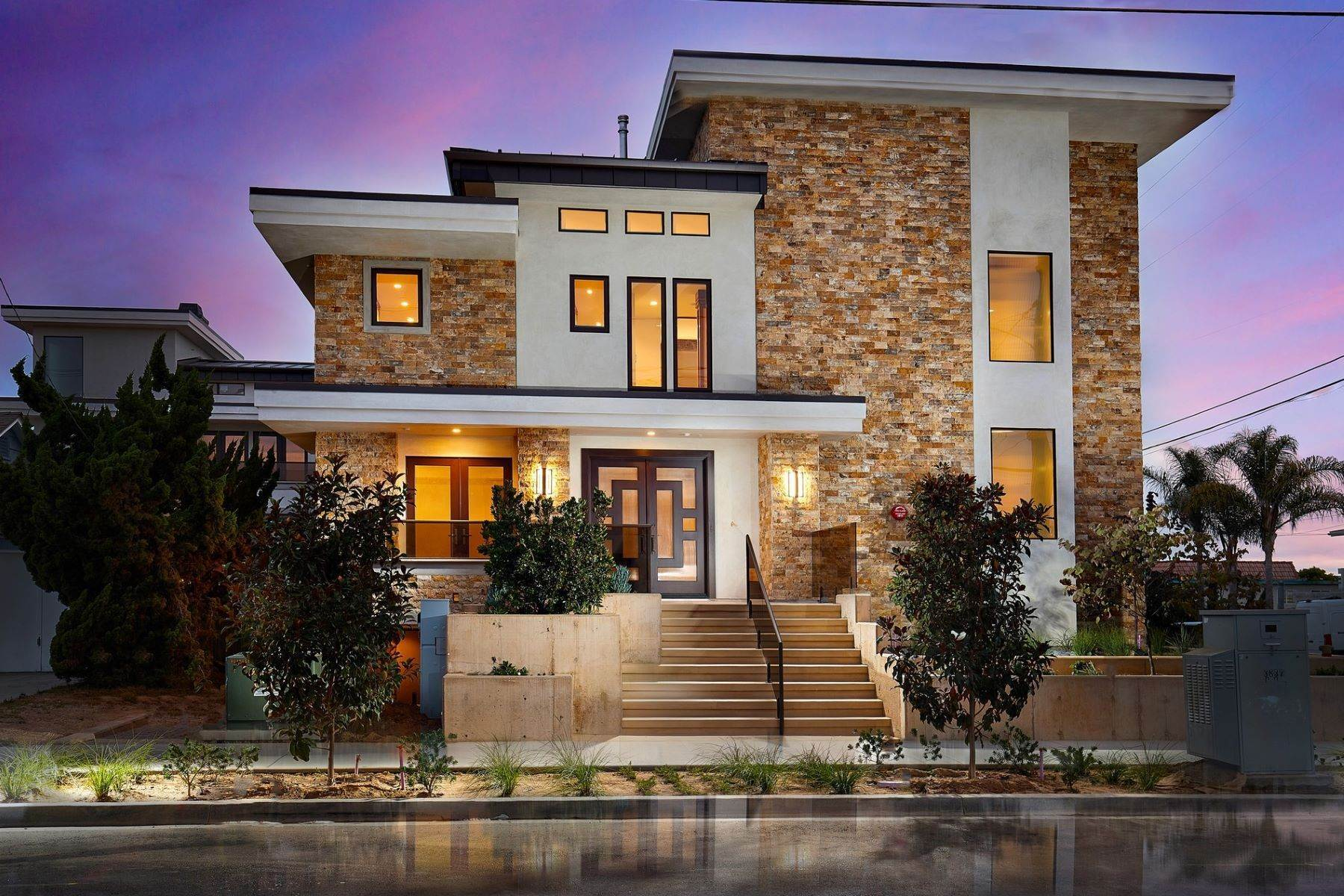 2. Multi-Family Homes for Sale at A Luxury Legacy in Carlsbad 195 Cherry Ave Carlsbad, California 92008 United States
