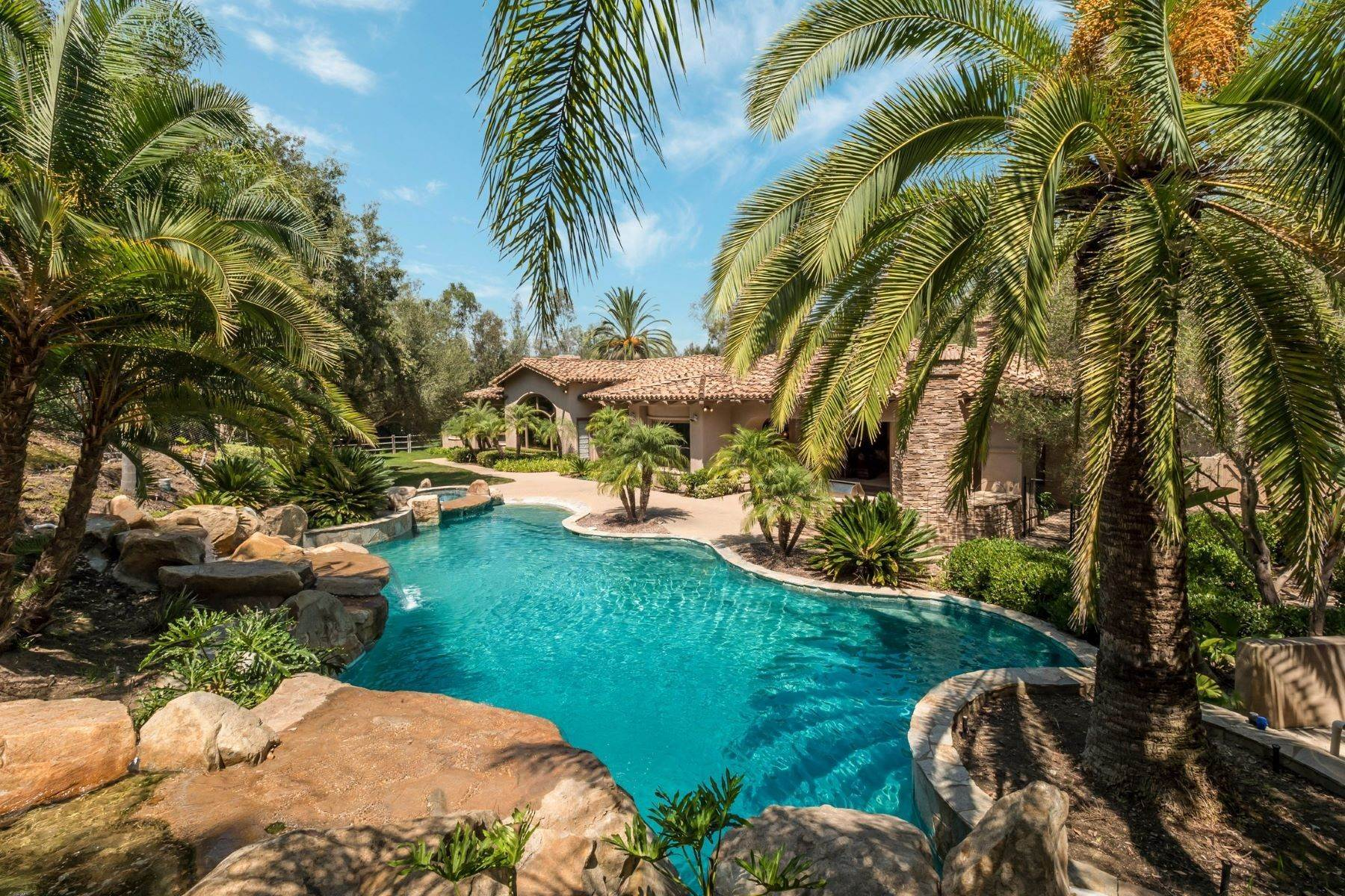 Single Family Homes for Sale at A New Place to Call Home 16028 Rambla De Las Flores Rancho Santa Fe, California 92067 United States