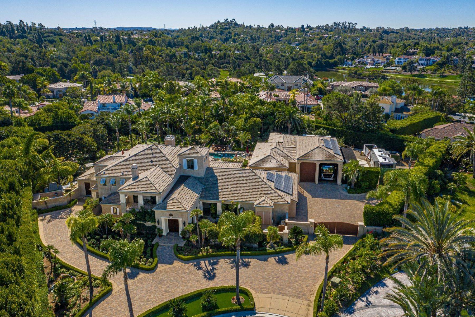 42. Single Family Homes for Sale at Paseo Hermosa Fairbanks Ranch 17109 Paseo Hermosa Rancho Santa Fe, California 92067 United States