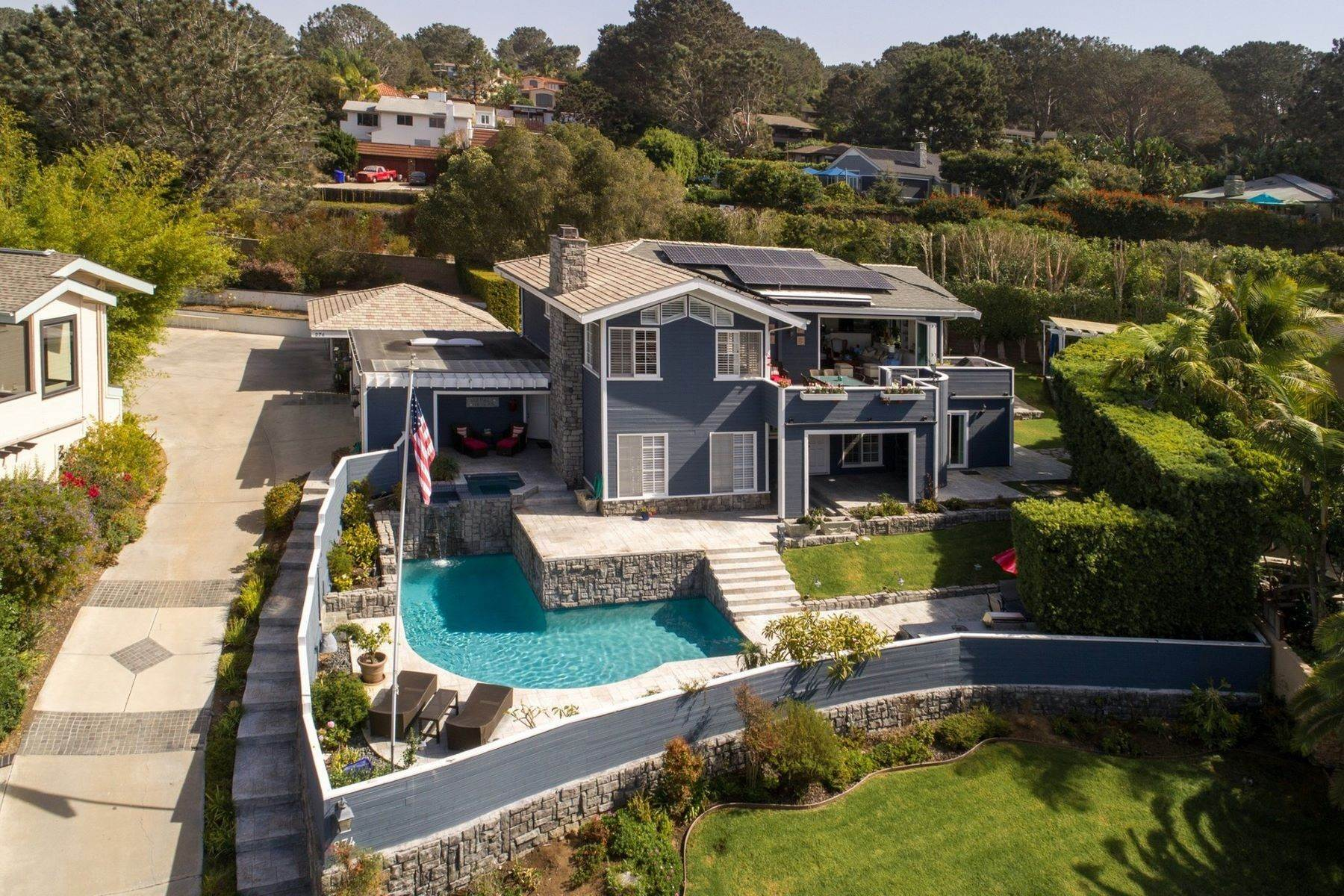 Single Family Homes for Sale at 274 Stratford Park Circle, Del Mar, CA 92014 274 Stratford Park Circle Del Mar, California 92014 United States