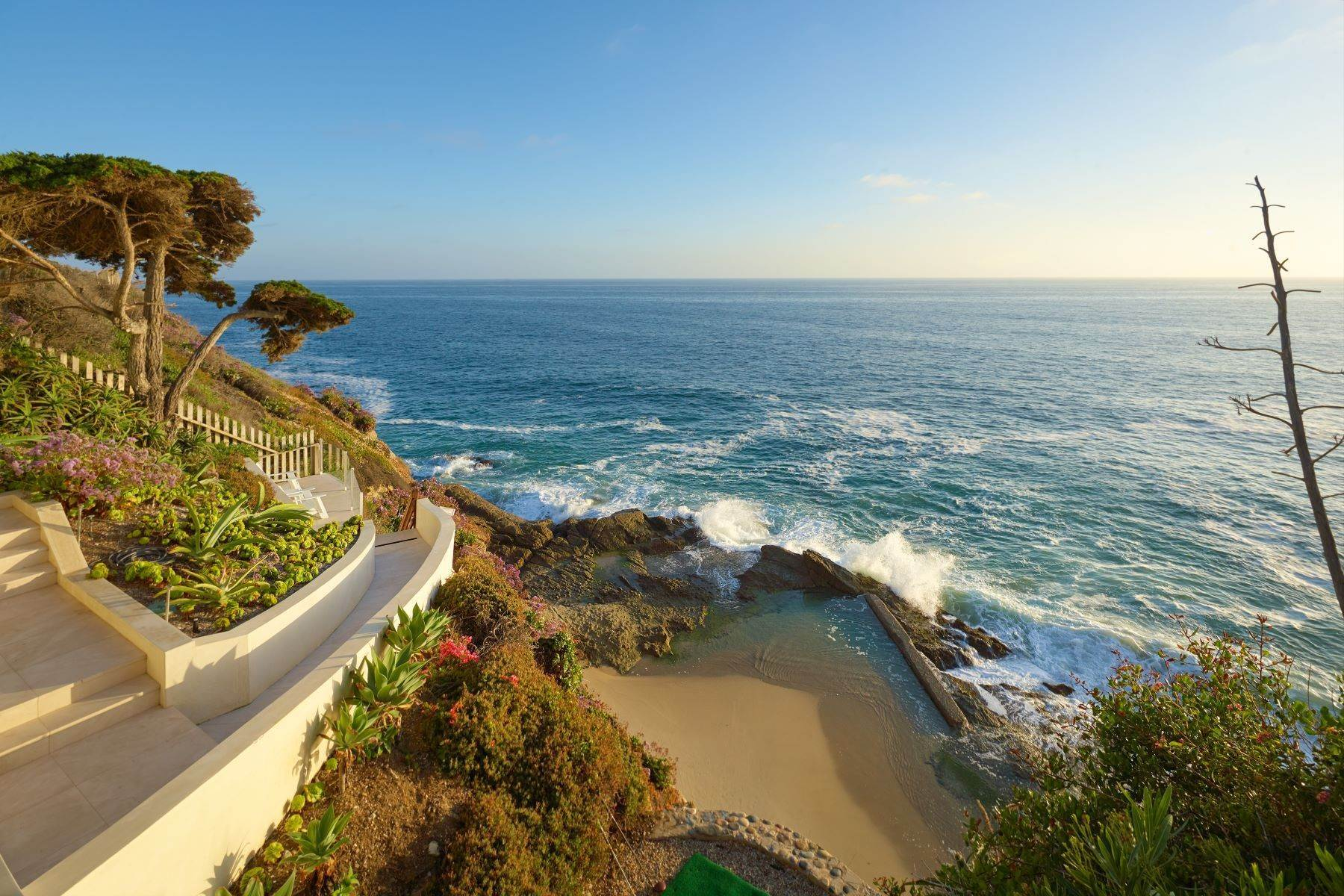 6. Single Family Homes for Sale at 58 N La Senda Drive Laguna Beach, California 92651 United States