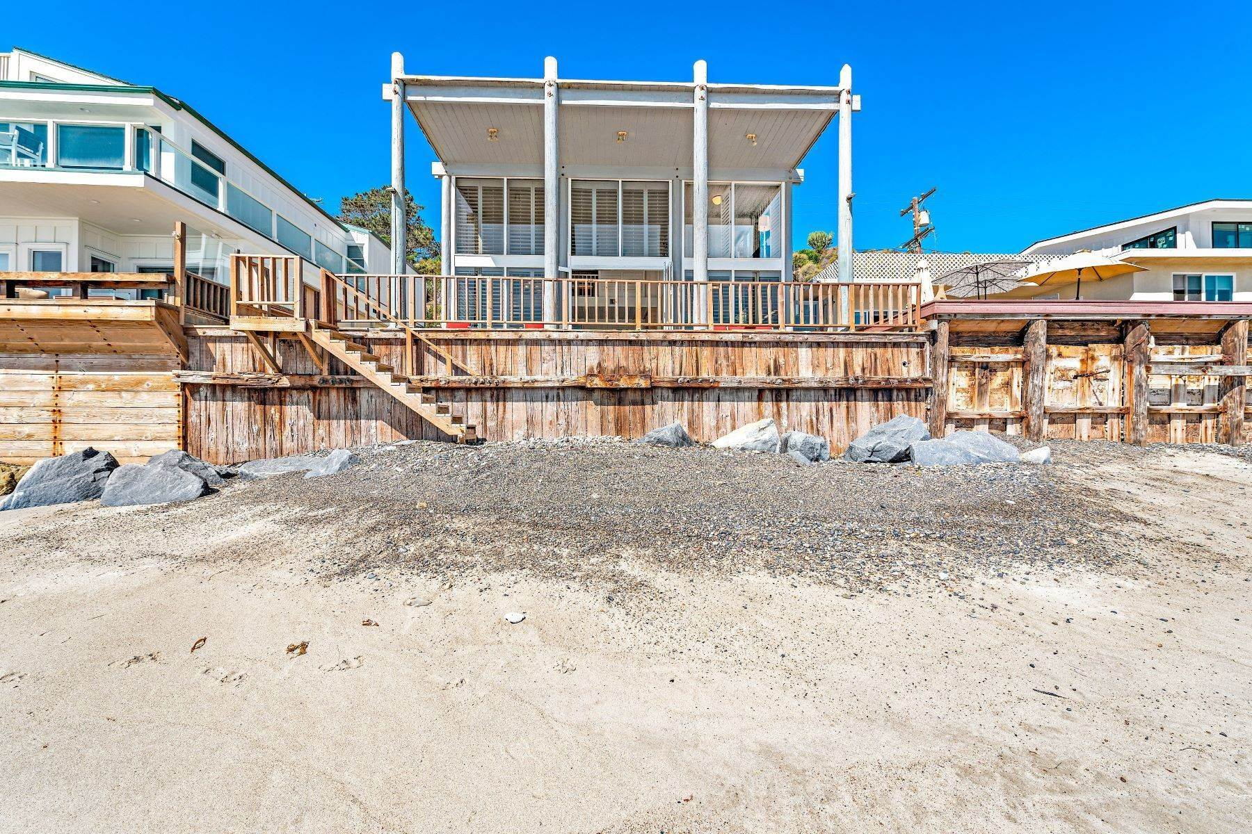 45. Single Family Homes for Sale at 35707 Beach Road Dana Point, California 92624 United States