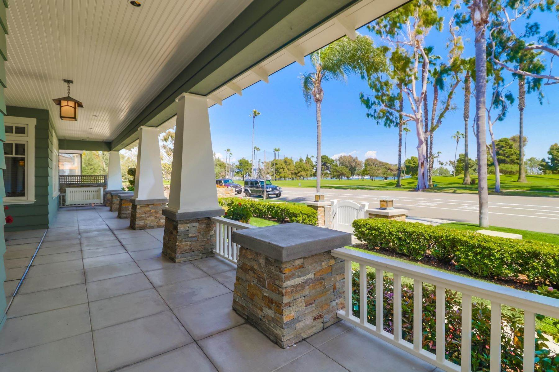 3. Single Family Homes for Sale at 922 Glorietta Blvd Coronado, California 92118 United States